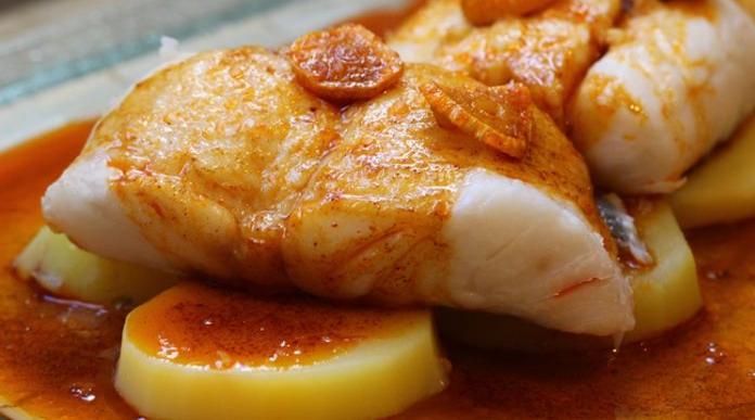 merluza-a-la-gallega-receta-696x447